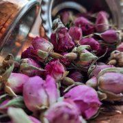 طرز تهیه گلاب در منزل